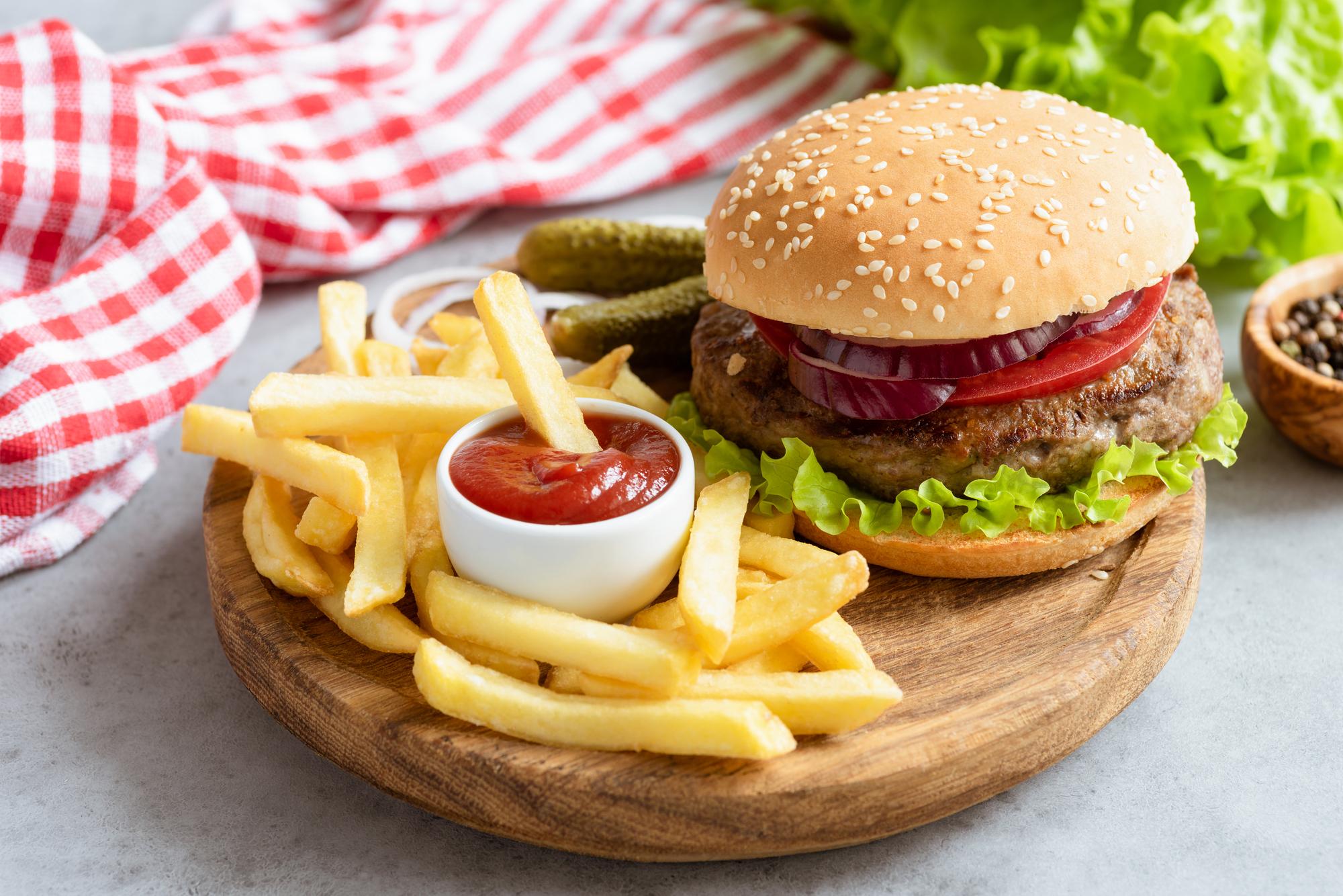 肥満は薄毛になりやすい?偏った食生活は悪影響も