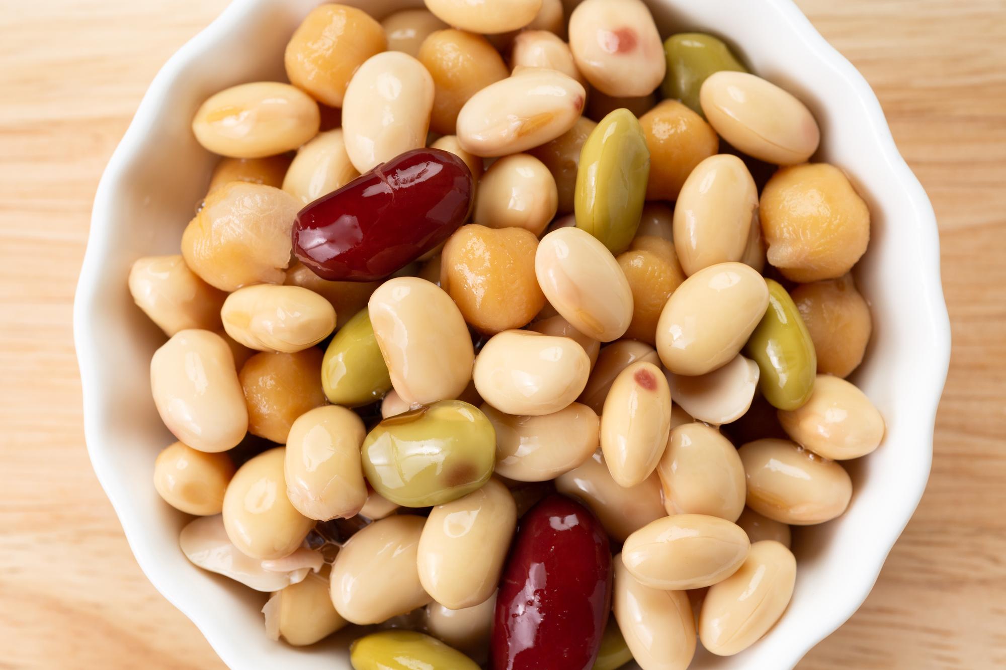 薄毛に悩む人には大豆食品がオススメ!大豆食品の薄毛に与える効果について解説
